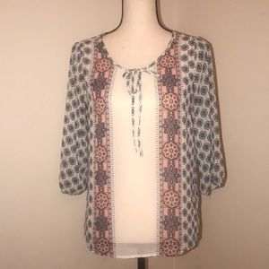 Lightweight 3/4 sleeved Blouse. Old Navy. Small